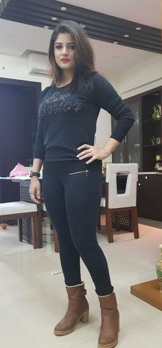 Indian Bengali popular actress Srabanti Chatterjee new picture and wallpaper gallery. Latest hd image of actress Srabanti Chatterjee. Beautiful Girl Photo, Beautiful Girl Indian, Most Beautiful Indian Actress, Beautiful Legs, Beautiful Ladies, Bollywood Girls, Bollywood Fashion, Beauty Full Girl, Beauty Women