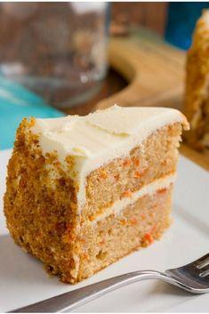 Receta de bizcocho de esponja y zanahoria - Tarta de zanaoria - Sweet Recipes, Cake Recipes, Muffins, Deli Food, Good Food, Yummy Food, Drip Cakes, Recipe For 4, Something Sweet
