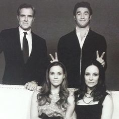 Twitter / VictoriaGraysn: Family portrait outtakes. ...
