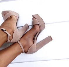 It is possible to find stiletto heels in pumps, sling-backs and boots. Nude high heels are extremely fashionable and appear perfect with black dresses. Heeled Boots, Shoe Boots, Ankle Boots, Flat Boots, Combat Boots, Zapatos Shoes, Shoes Heels, Nude Heels, Dress Shoes