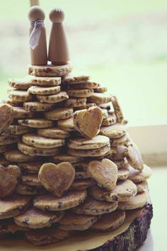 Welsh cake tower-- a fun and inexpensive wedding cake alternative. Make up your own welsh cakes and give guests the recipe for something really special. Alternative Wedding Cakes, Unusual Wedding Cakes, Wedding Cake Alternatives, Creative Wedding Cakes, Wedding Cookies, Wedding Desserts, Cake Wedding, Wedding Card, Wedding Favors