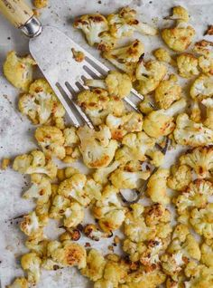 This Roasted Cauliflower recipe has just a few simple ingredients and will become a regular side dish recipe in your house! Even my pickiest eaters love this recipe. Side Dish Recipes, Side Dishes Easy, Veggie Recipes, Crockpot Recipes, Cajun Recipes, Roasted Cauliflower, Cauliflower Recipes, Slow Cooker Recipes, Cooking Recipes
