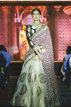 Banarsi Lengha Brocade Lehenga, Indian Lehenga, Lengha Choli, Saree, Pakistani, Ethnic Fashion, Asian Fashion, Women's Fashion, Fashion Hacks