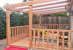 -27- Houten veranda aan huis met hellend polycarbonaat of glazen dak hekjes vlondervloer zelfbouw bouwpakket van lariks douglas of eiken hout
