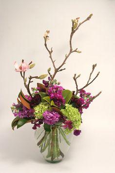 flower-arrangement-stock-magnolia-green-hydrangea-botanica-floral-design.jpg 288×432 pixels
