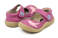 Spring Kids Shoes Pre-Orders at One Good Thread.  These will sell out early and you can reserve them with little at 25% down with the code DEPOSIT25.  Shipping in a few weeks.