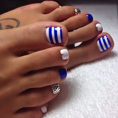 56 Ideas French Pedicure Designs Blue Tips For 2019 Beach Toe Nails, Summer Toe Nails, Summer Beach Nails, Fall Toe Nails, Pretty Toe Nails, Cute Toe Nails, Cute Toes, Toe Nail Color, Bling Nails