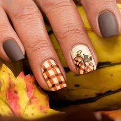 Simple Fall Nails, Cute Nails For Fall, Simple Acrylic Nails, Autumn Nails, Fall Acrylic Nails, Easy Nail Art, Nail Ideas For Fall, Fall Nail Art Autumn, Clear Acrylic
