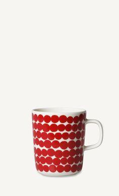 Marimekko's Siirtolapuutarha mug features Maija Louekari's cheerful Räsymatto pattern that was inspired by traditional rag rugs. Marimekko's Siirtolapuutarha collection has a pleasant feel of nostalgia. Marimekko, Stoneware Mugs, Bold Prints, Good Company, Scandinavian Design, Pattern Design, Nostalgia, Ceramics, Black And White