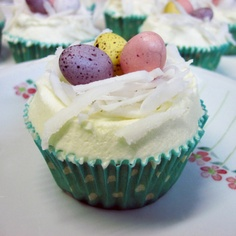 Starting a blog and simple Easter cupcakes