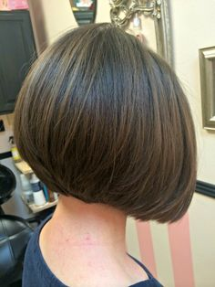 low maintenance short bob hairstyles for fine hair Bob Haircut For Fine Hair, Cute Hairstyles For Short Hair, Short Hair Cuts For Women, Graduated Bob Hairstyles, Pretty Hairstyles, Medium Hair Styles, Short Hair Styles, Short Bob Haircuts, Hair Color And Cut