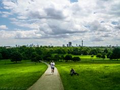 https://flic.kr/p/N5abTf | Primrose Hill | FROM: 2014  After a short hiking, your rewarded with a view of London.