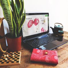#Friyay ! Friday's here and I'm getting all ready for this weekend! What actually means finishing my website that will be launched this May!  This is going to be so exciting to share with you!. Sneak peek :-) What are your plans for the weekend ? @kuskatstudio . . . --> check out my quilted #iphone6 / #samsunggalaxy wallet ! tap link in bio or shop #jetsettimesshop . . #inmystudio #mycreativbiz #thegramgang #smallbiz #livefolk #creativelifehappylife