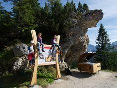 """Classic-Rundfahrt  Nähern Sie sich mit einer Rundfahrt der Alpspitze, einer der markantesten und schönsten Berggestalten der nördlichen Alpen. Oder bestaunen Sie """"das Juwel des Werdenfelser Landes"""" auf einer aussichtsreichen Wanderung. Die Classic-Gebiet-Rundfahrt verbindet die Bahnen der Alpspitz- Hochalm- und Kreuzeckbahn. Berg, Zugspitze, Alps, Nice Asses"""