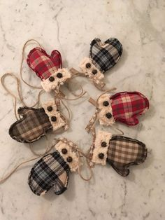 Mitten garland, Soft flannel ornament, Rustic Primitive, Christmas decoration, Winter decoration, Christmas, Winter, Primitive decor