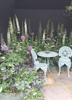 The RHS Chelsea Flower Show in Pictures Flower inspiration - professional land . - gardening 2019 - The RHS Chelsea Flower Show in Pictures Flower inspiration – professional country …, - Cottage Garden Design, Small Garden Design, Flower Garden Design, Cottage Garden Patio, Cottage Garden Borders, Patio Design, Small Garden Corner, Border Garden, Garden Living