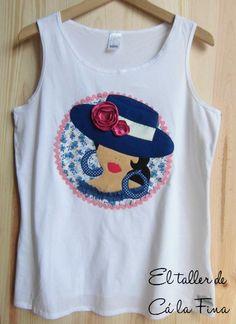 Camiseta flamenca de mujer, modelo Córdoba en azul. #camisetasflamencas #camisetaspersonalizadas #camisetasdecoradas