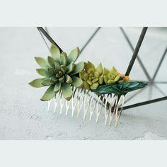 Made for order) hair comb) #succulenthaircomb #succulents #succulent #plants #succulove #succulentlove #spring #planters #hair #hairstyle #hairstylist #beautiful #longhair #hairstyles #instahair #haircomb #flowercrowns #wedding #comb #handmade #bride #accessories #bridalhair #weddinghair #weddingaccessories #bridalaccessories #bitkiaskina #instafashion #fashionblogger #fashionista