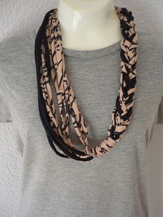 collar trapillo de ARES IBIZA por DaWanda.com tshirt necklace