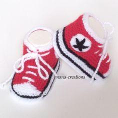 baskets, chaussons bébé tricotés, 0/3 mois, rouge. Création fait main pour bébé. Layette originale par Nana Créations
