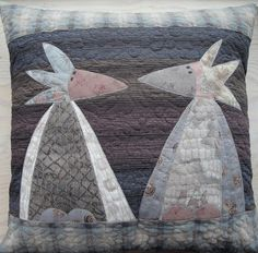 mrsmoen clara & fredrikke, the taupe twins Bird Applique, Applique Quilts, Applique Ideas, Butterfly Quilt, Bird Quilt, Fabric Yarn, Fabric Crafts, Uncommon Threads, Quilted Wall Hangings