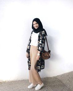 29 Super Ideas For Style Inspiration Casual School Outfits Modern Hijab Fashion, Street Hijab Fashion, Tokyo Street Fashion, Hijab Fashion Inspiration, Muslim Fashion, Trendy Fashion, Trendy Style, Spring Fashion, Fashion Ideas