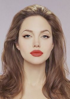 13 everyday habits that are aging you – Makeup Tips by Professionals 13 everyday habits that are aging you Simple… Black winged eyeliner, mascara and red lipstick. Eyeliner Looks, Winged Eyeliner, Eyeliner Pencil, Brown Eyeliner, Hair Colour For Green Eyes, Green Lips, Hair Color For Women, Red Green, Pencil Portrait