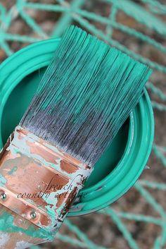 Creating vintage patina with Pantone Emerald Green