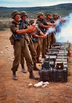 flares and smoke grenades - lekker to waste some captured ordinance