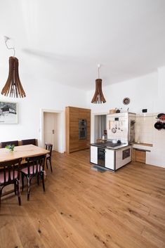 weingut m - Möbelbau Breitenthaler, Tischlerei Loft, Furniture, Home Decor, Carpentry, Wine, Decoration Home, Room Decor, Lofts, Home Furnishings