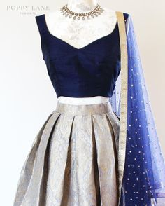 Ideas skirt outfits indian colour for 2019 Indian Wedding Outfits, Indian Outfits, Wedding Sari, Indian Reception Outfit, Indian Clothes, Indian Attire, Indian Wear, Tela Hindu, Indian Bridesmaids