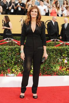 See Julia Roberts's unforgettable fashion moments and get inspired for your next big event. Sag Awards, Julia Roberts, Red Carpet Dresses, Red Carpet Looks, Fashion Photo, Givenchy, How To Memorize Things, Jumpsuit, Silhouette