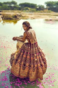 bollywood art culture travel sabyaasachi: Zara Abid photographed by Ashna Khan Indian Bridal Fashion, Asian Fashion, Boho Fashion, High Fashion, Fashion Beauty, Ethnic Fashion, Fashion Women, Moda Hippie, Summer Dress