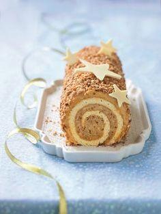 Bûche café-praliné Xmas Food, Christmas Desserts, Cake Roll Recipes, Log Cake, Foie Gras, Köstliche Desserts, Occasion Cakes, Savoury Dishes, Snack