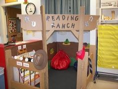 I found this on a new blog I discovered! It would go great in our western themed kindergarten class!! I WANT THIS!! kindergarten-roundup.blogspot.com