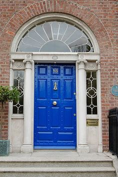 This blue makes this door feel royal #FrontDoorFriday