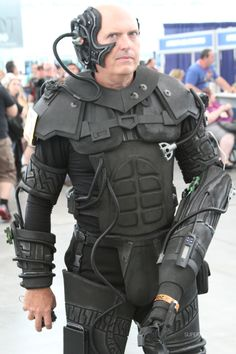 Why a Borg needs a fake 8 pack I'm not sure but, even so, well done nerd.