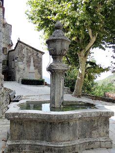 Peillon (Alpes Maritimes) - la Fontaine