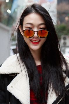 Cheap Ray Ban Sunglasses Sale, Ray Ban Outlet Online Store : - Lens Types Frame Types Collections Shop By Model Ray Ban Sunglasses Sale, Sunglasses Outlet, Sunglasses Online, Sports Sunglasses, Cheap Sunglasses, Mirrored Sunglasses, Seoul, Fashion Looks, Fashion Tips