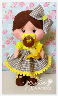 Felt Dolls, Baby Dolls, Diy Leather Wallet Pattern, Felt Crafts, Diy And Crafts, Sewing Projects, Projects To Try, Stuffed Animal Patterns, Felt Art
