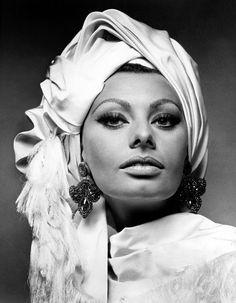 Sophia Loren. No idea who the photog was.