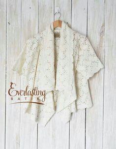 j Kebaya Hijab, Batik Kebaya, Kebaya Dress, Ethnic Fashion, Hijab Fashion, Women's Fashion, Eid 2018, Ethnic Style, Blouse Designs