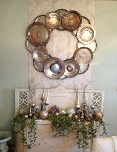Wreath made from silver platters image from Bees Knees Bungalow. Dishfunctional Designs: How To Upcycle Thrift Shop Finds Into Trendy Home Decor. Trendy Home Decor, Diy Home Decor, Silver Platters, Silver Trays, Thrift Shop Finds, Thrift Stores, Old Headboard, Shabby Look, Diy Wreath