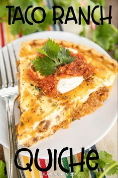 Taco Ranch Quiche Recipe - SO delicious! Quiche loaded with taco meat, salsa, Ranch dressing and cheese. Top with your favorite taco toppings for a fun twist to taco night! Can assemble quiche and freeze unbaked for a quick meal later. Everyone LOVES this Breakfast Quiche, Breakfast Dishes, Breakfast Recipes, Simple Quiche Recipes, Easy Quiche, Mexican Food Recipes, Beef Recipes, Cooking Recipes, Party