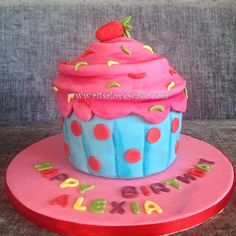 Giant Cupcake - by RitsaLovesCake @ CakesDecor.com - cake decorating website