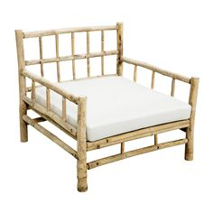 En vacker fåtölj med mycket patina i bambu från Tine K. Till fåtöljen ingår en vit dyna, för bästa komfort rekommenderar vi att man köper till ryggkuddar. Mått: Totallängd, Totalbredd, Totalhöjd Fåtölj: Tl 76 cm, Tb 76 cm, Th 70 cm