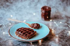 Domácí nutella bez cukru: Jednoduchý recept | Ochutnej Ořech Nutella, Waffles, Breakfast, Food, Morning Coffee, Essen, Waffle, Meals, Yemek