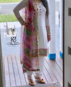 @sardarniii Patiala Suit Designs, Churidar Designs, Kurti Designs Party Wear, Pakistani Dress Design, Pakistani Outfits, Indian Outfits, Patiyala Suit, Punjabi Fashion, Indian Designer Suits