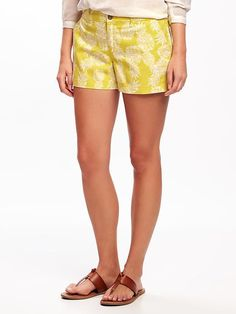 "MID-RISE PATTERNED EVERYDAY SHORTS FOR WOMEN (3 1/2"")   Old Navy https://api.shopstyle.com/action/apiVisitRetailer?id=616902501&pid=uid3481-23865059-61"