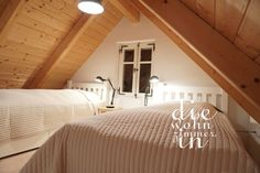 #ferienhaus #cottage #kellerstöckl #lhotel #bedroom #masterbedroom #doppelbett #schlafzimmer #vintage #landhausstil #weingarten #austria #südburgenland #csaterberg Ceiling Lights, Lighting, Vintage, Home Decor, Twin Size Beds, Cottage Chic, Cottage House, Bed Room, Homemade Home Decor
